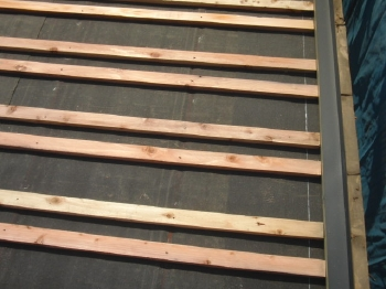 春日部市 新しい瓦桟を設置します。 葺き替え
