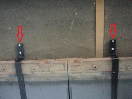 雪止め 瓦 リフォーム 一度瓦を取り外し、の金具を設置していきます。 春日部市 修理 補修